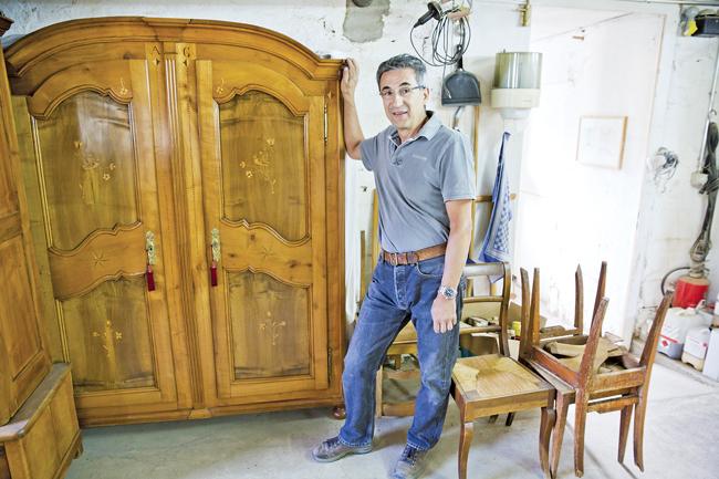 La gruy re des armoires s culaires for Gobet meubles